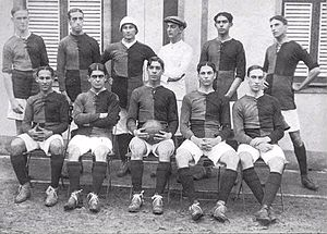 Clube de Regatas do Flamengo - The recently formed football team (wearing the squad jersey) before a match v. Paissandu in 1912.