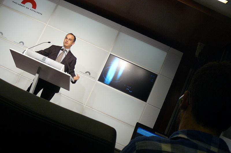 File:Flickr - Convergència Democràtica de Catalunya - Turull a la sala de premsa del Parlament (6).jpg