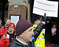 Flickr - NewsPhoto! - Amsterdamse stadsreinigers protesteren bij Giro d'Italia diner (5).jpg