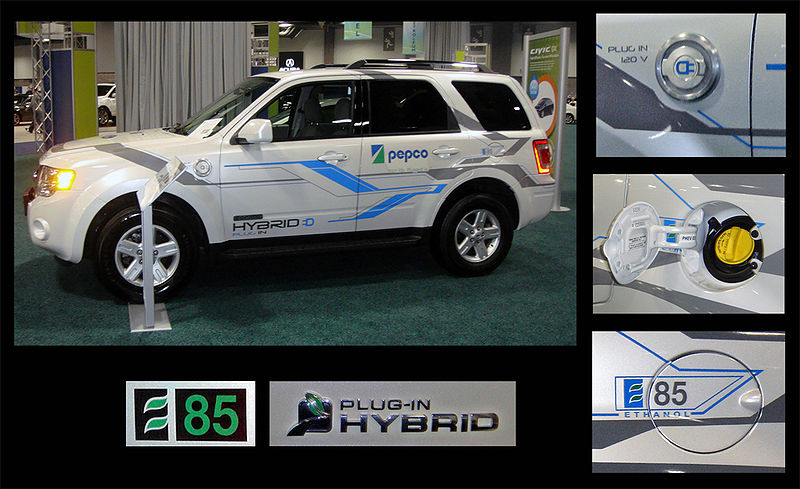 Ford Escape E85 Flex Plug-in Hybrid views and badging WAS 2010.jpg