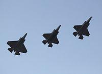 Variantes del F-35 en vuelo