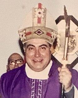 Foto di Mons. A. Mugione - Crotone, fine anni '90.jpg