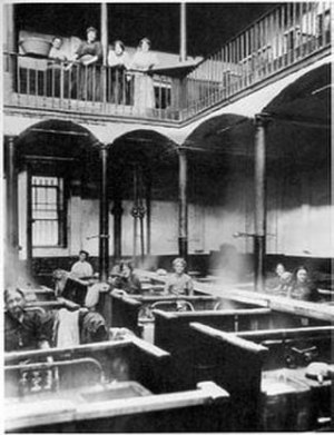 Baths and wash houses in Britain - Interior of Frederick Street wash house, the first public wash house. Taken in 1914.