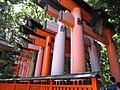 Fushimi Inari Pathgates - panoramio.jpg