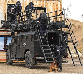 GIGN - GIGN assault team and Sherpa armoured truck during a demo- June 2018