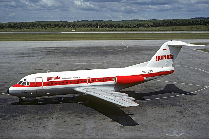 Berkas:Garuda Fokker F28-1000 Volpati-1.jpg