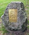 Gedenktafel Amerikaplatz (Friedeburg) Totempfahl.jpg