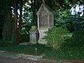 Grabstätte auf dem Ostfriedhof - panoramio (13).jpg