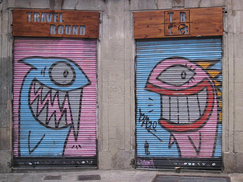File:Grafit a la plaça Milans.jpg