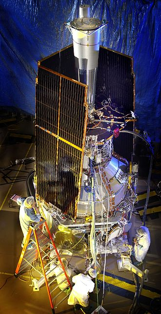 Introduction to general relativity - Gravity Probe B with solar panels folded.