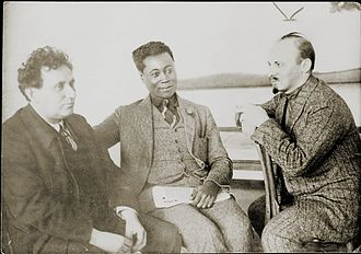 Nikolai Bukharin - Bukharin, Grigory Zinoviev and Claude McKay in 1923