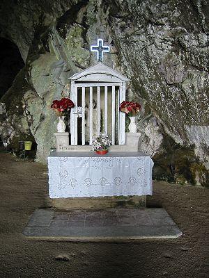 Pertosa Caves - Image: Grotta Di Pertosa