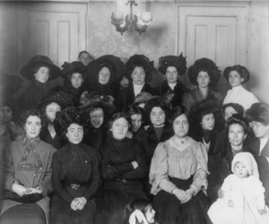 New York shirtwaist strike of 1909 - Image: Group of mainly female shirtwaist workers on strike, in a room, New York
