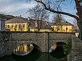 Gumpoldskirchen Wassergraben-Brücke 01.JPG