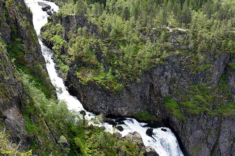 File:Hardangerfjord in a Nutshell - Voringsfossen Waterfalls (3) (35687920403).jpg