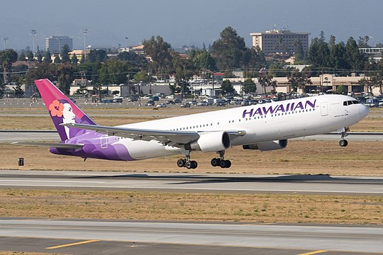 "File:Hawaiian Airlines Boeing 767-300 ""Akohekohe"".jpg"