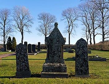 Headstones at Prästtorp graveyard, Brastad.jpg