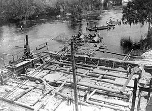 Hillsborough River (Florida) - The original dam under construction in 1897