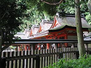 Kasuga-zukuri - Image: Hiraoka Shrine honden