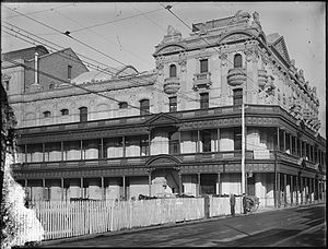 His Majesty's Theatre, Perth - His Majesty's Theatre in the late stages of construction in 1904, showing the original balconies which lined the street frontages
