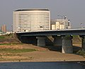 Hozumi Bridge and Kenmin-fureai-kaikan (Gifu).jpg