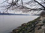 Hudson River and George Washington Bridge New York City January 2014.jpeg