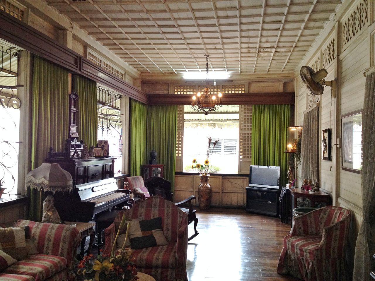 File:Interior 5 Santos House Sta. Ana Manila.JPG ...