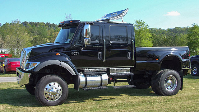 International Cxt Price >> File:International CXT Commercial Extreme Truck 1.jpg ...