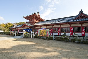 Hachiman-zukuri - Image: Isaniwa Shrine roumon