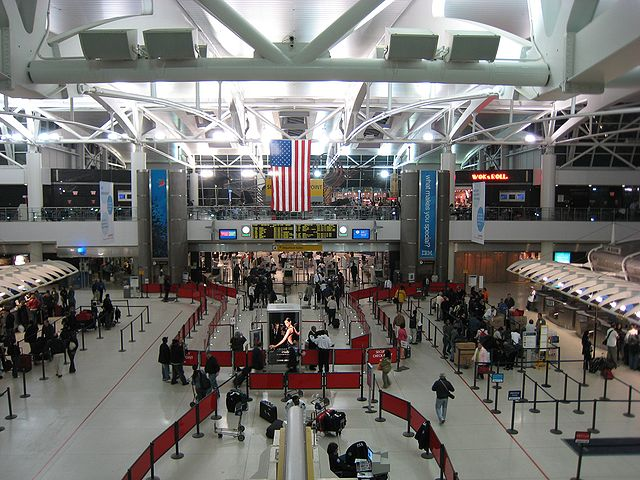 JFK Terminal 1 By Doug Letterman (originally posted to Flickr as JFK Terminal 1) [CC BY 2.0 (https://creativecommons.org/licenses/by/2.0)], via Wikimedia Commons