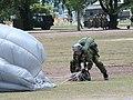 JGSDF 自由降下傘 20130623-03.JPG