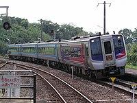 JR Shikoku2000DC in Saida.jpg