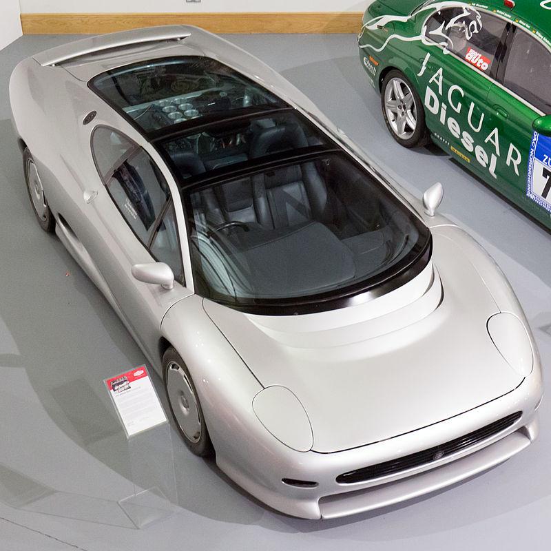 800px-Jaguar_XJ220_top_Heritage_Motor_Ce