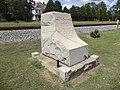 Jefferson Davis Highway memorial (SE corner), Ashburn.JPG
