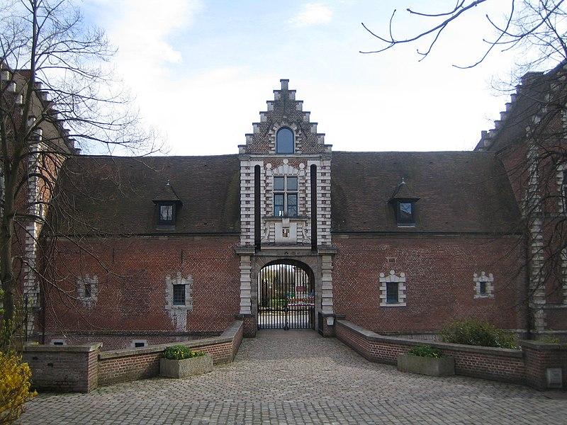 Fichier:Jielbeaumadier chateau flers2 2008.jpg