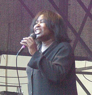 English: Joan Armatrading, a British singer, s...