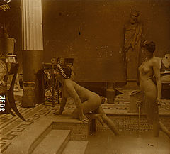 Jules Richard -Hammam Nude Scene old glass stereo Photo Richard 1900'.jpg