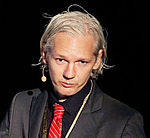 Julian Assange 20091117 Copenhagen 2 cropped to shoulders.jpg