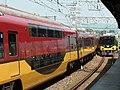 Keihan 8000 series passing 2013-08-12.jpg