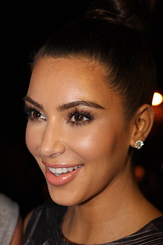Kim Kardashian on the red carpet, Sydney Australia, Author Eva Rinaldi, Source flickr.com (CC BY-SA 2.0 Generic)