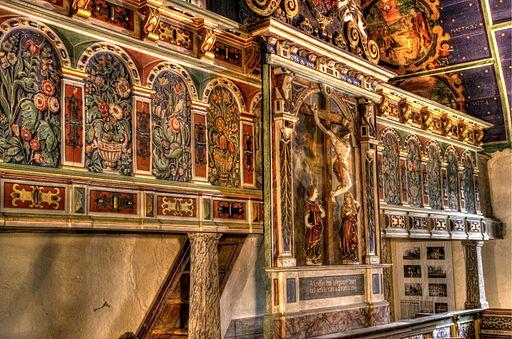 Klępsk - zwieńczenie ołtarza przedstawiające ukrzyżowanie Chrystusa.