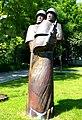 Kołobrzeg, rzeźba polskich żołnierzy w parku im. Stefana Żeromskiego (3).jpg