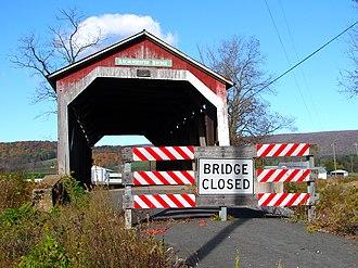 Kochendefer Covered Bridge - Western end of the bridge