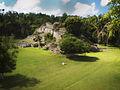 Kohunlich Basamento piramidal Maya.jpg