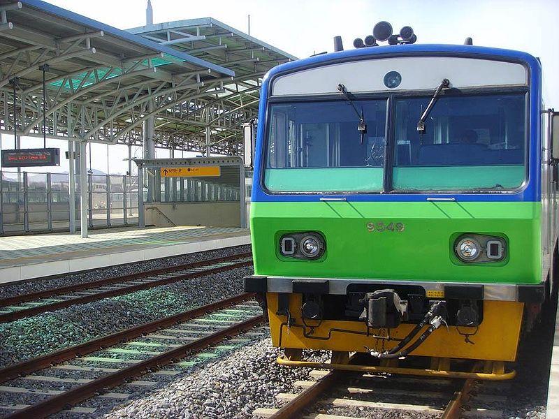 파일:Korail CommutorDieselCar.jpg