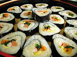 Korean.food-Kimbap-03.jpg