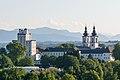 Kremsmünster Stiftskirche und Sternwarte.jpg