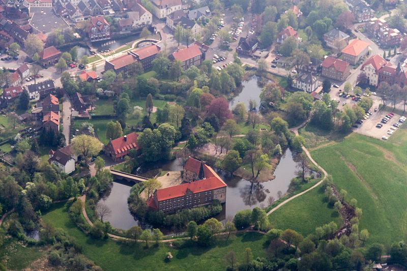 File:Lüdinghausen, Burg Lüdinghausen -- 2014 -- 7308.jpg