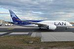 LAN Airlines, CC-BBF, Boeing 787-8 Dreamliner (20164449428).jpg