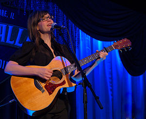 Lisa Loeb - Performing in Chicago